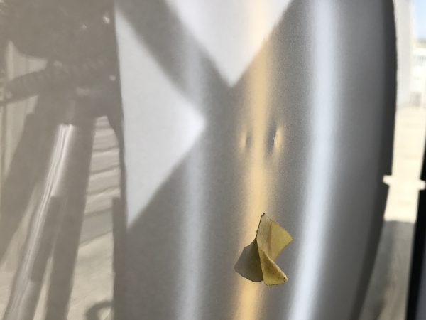 フォルクスワーゲン パサート フロントドアに出来たドアパンチの凹みをデントリペア
