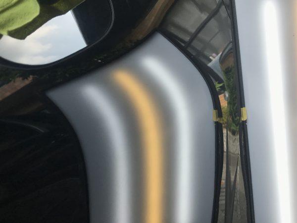 ジューク 運転席ドアに出来た凹みをデントリペアで修復 神戸市西区の方からのご依頼