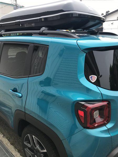 jeep レネゲード 100台限定のカラー リアクオータパネルに出来た凹みをデントリペア修理