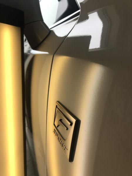 レクサス CT Fスポーツ フロントフェンダーに出来た凹みをデントリペアで修理 京都市からお越しいただきました!