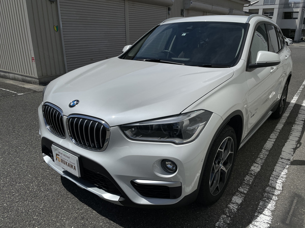BMW  X1 フロントフェンダーに出来た凹みをデントリペアで修復 神戸市灘区にお住まいの方からご依頼です!!